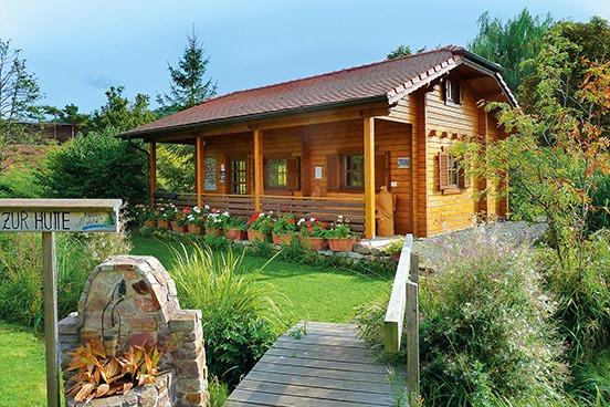 Wunderschönes Freizeithaus mit genügend Platz für die ganze Familie. Mit breiter Terrasse